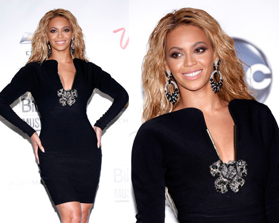Beyoncé in Lanvin Dress at 2011 Billboard Music Awards