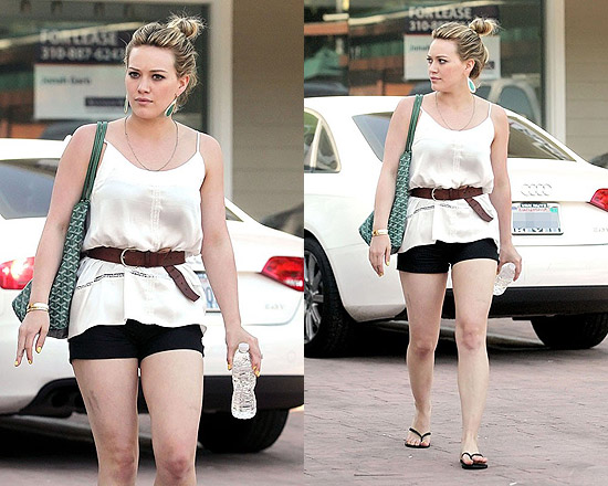 Hilary Duff in J Brand and Havaianas Flip Flops