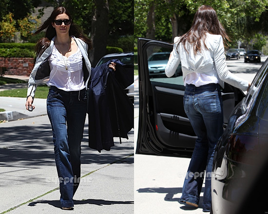 Jessica Biel in Citizens Of Humanity Ultra Flare Jeans