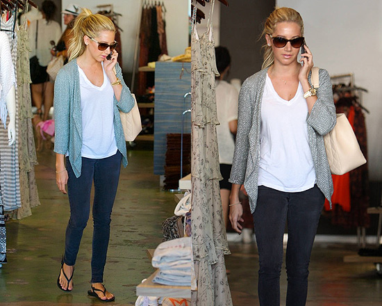 Ashley Tisdale wearing Charley 5.0 Skinny Mini Leggings
