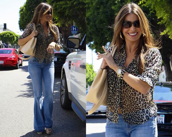 Sofia Vergara in Hudson Ferris Flare Jeans