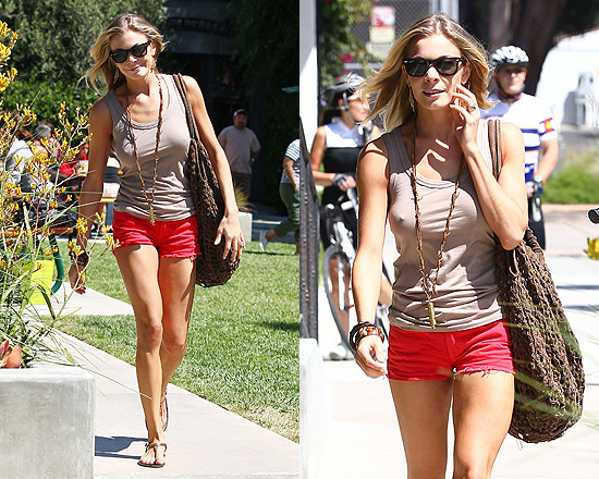 LeAnn Rimes in J Brand shorts and Kif If tank top