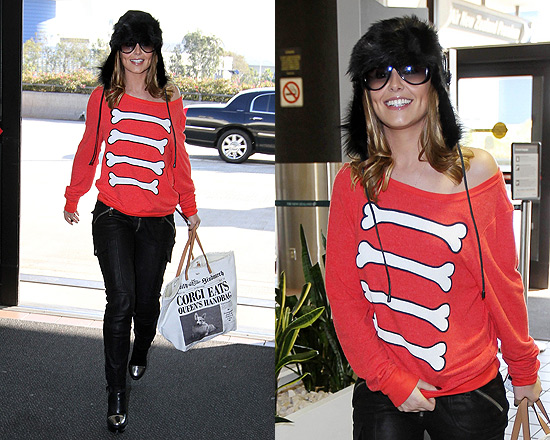 Cheryl Cole in Wildfox Caveman Baggy Beach Jumper