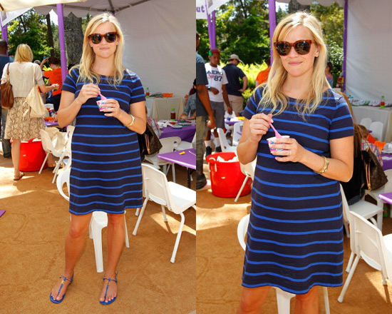 reese-witherspoon-gap-striped-crewneck-dress