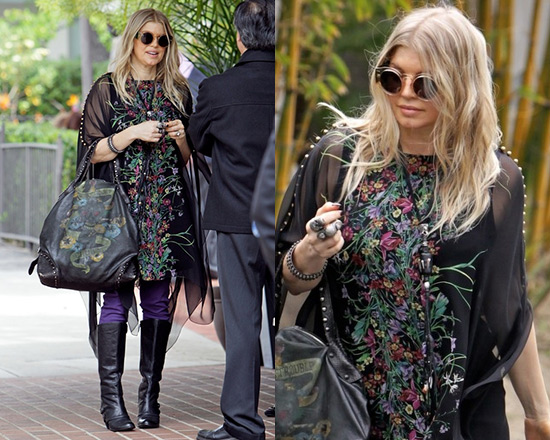 Fergie wearing Gucci Flower Print Silk Georgette Kaftan Dress