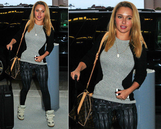 Hayden Panettiere in Helmut lang Obstructed Borders Pullover Sweater