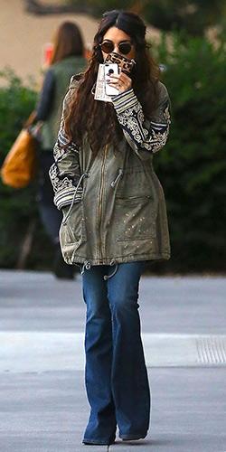 97debad827 Vanessa Hudgens Style and Fashion – CelebrityFashionista.com