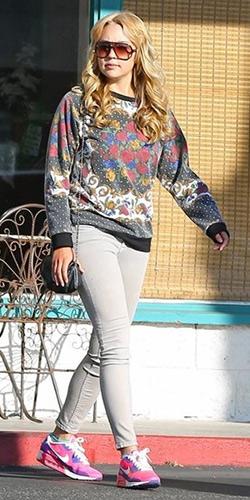 amanda-bynes-Minkpink-Polka-Dot-Sweatshirt-in-Floral