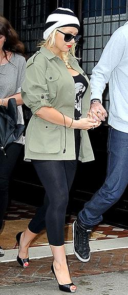 christina-aguilera-rag-&-bone-Ohara-Cotton-Blend-Jacket-olive