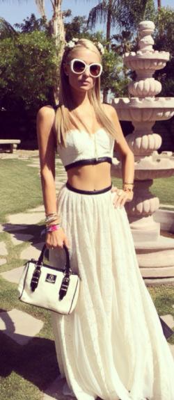 e8c6ea24f31ec Paris Hilton Style and Fashion – CelebrityFashionista.com