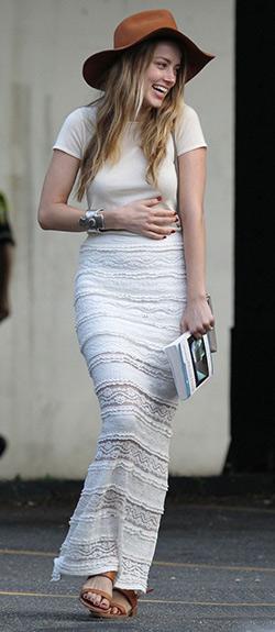 amber-heard-Alice-+-Olivia-Ettley-Lace-Maxi-Skirt