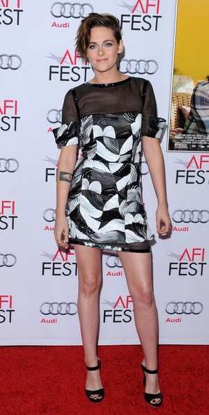 kristen-stewart-Jimmy-Choo-Deckle-Patent-Leather-Bracelet-Mules