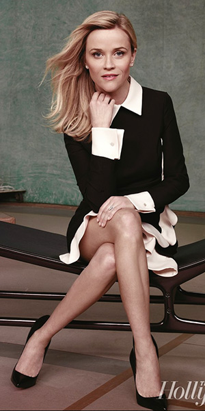 reese-witherspoon-Valentino-Contrast-Scalloped-Voulant-Dress