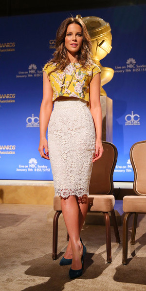 kate-beckinsale-Dolce-&-Gabbana-Floral-Macrame-Pencil-Skirt