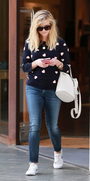 reese-witherspoon-Nike-Court-Majestic-sneakers