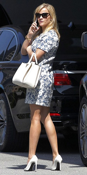 Reese Witherspoon wearing a Sam & Lavi Namina Dress, The Row satchel and Saint Laurent pumps - March 2015
