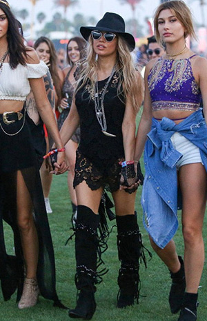 "Fergie at Coachella in Dior ""So Real"" sunglasses, a Saint Laurent Anita Leather Fringe Pouch Bag and Giuseppe Zanotti Studded fringed suede over-the-knee boots - April 11, 2015"