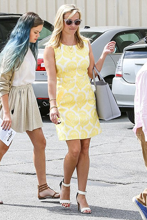 Reese Witherspoon wears a Diane von Furstenberg Lemon Meringue Sheath Dress to church in L.A. with her family, alongwith a Tiffany & Co. 18k gold wire bracelet - April 7, 2015