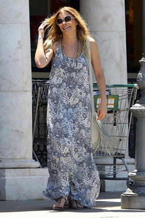 LeAnn Rimes grocery shopping in a Flynn Skye Scoop Back Maxi Dress in Calabasas, CA on June 20, 2015.