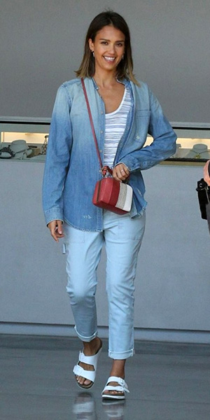 Jessica Alba in a The Frenchie Shirt in Red, White and Screwed and Tory Burch Stripe Mini Frame Clutch out and about shopping in Malibu, CA on July 4, 2015.