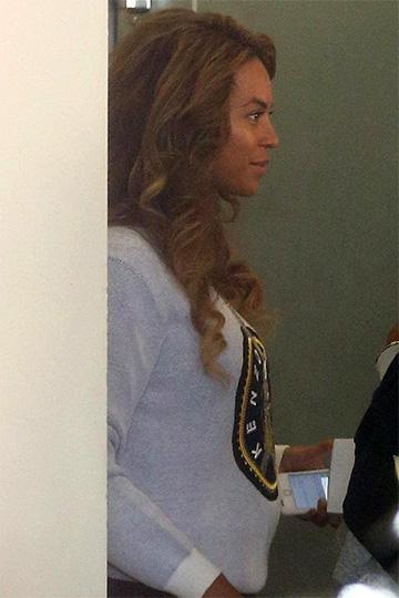 Kenzo Eiffel Tower Sweatshirt as seen on Beyonce