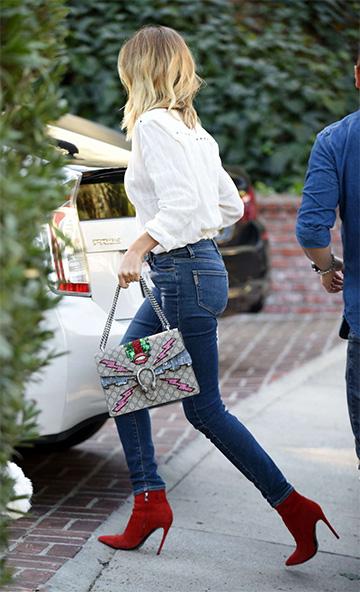 Gucci Dionysus Embroidered Supreme Shoulder Bag as seen on Rosie Huntington-Whiteley