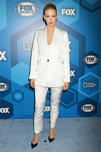 Smythe White Jacquard Floral Tailored Blazer as seen on January Jones at the Fox Network 2016 Upfront Presentation in New York on May 16, 2016