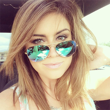 Ray-Ban Mirrored Matte Classic Aviator Sunglasses Green Mirror as seen on Kinsey Schofield Instagram.